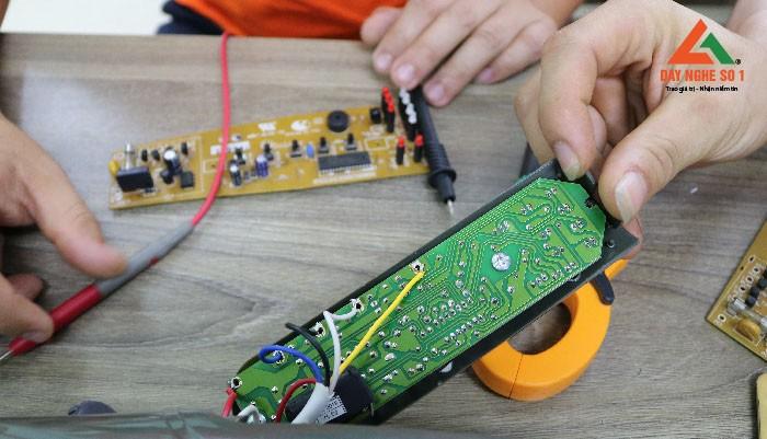 Khóa học sửa board mạch máy giặt mono
