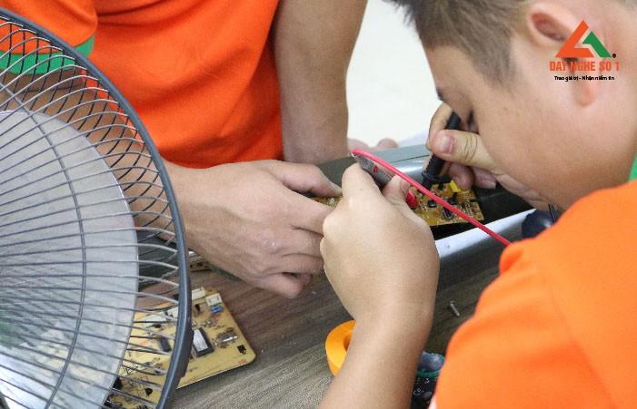 Khóa học sửa quạt điện tại Dạy nghề số 1